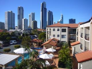 Chevron Palms Holiday Apartments, Surfers Paradise