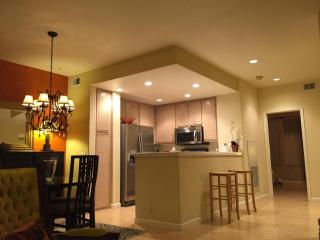 Fully-Furnished 1BD Luxury Condo in North San Jose, San José