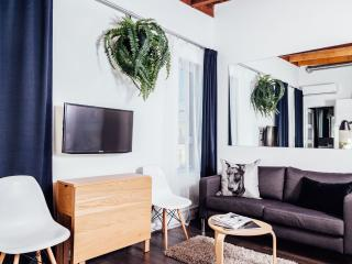 LeQube 303 Studio Apartment, Montreal