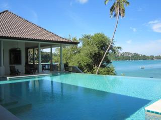 4Bed Phuket Beachfront Luxury Villa, Wichit