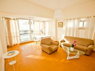 3Br RUPIN St. NEAR TO THE BEACH !!, Tel Aviv