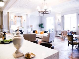 The Strand London, Luxury Apartment