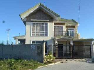 semi-furnished new 4BR house with hot & cold water, Cordova