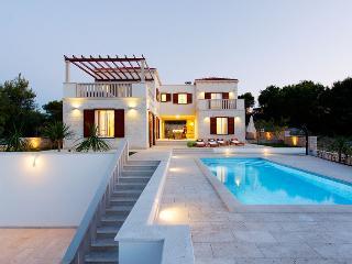 Brand new Villa Lina, Splitska