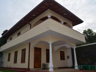 Vittoria Holiday Home - House for rent, Ambalangoda