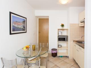 Orka - One Bedroom Apartment (3A+1C) - Lapad 1, Dubrovnik
