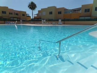 APARTMENT WITH SWIMMING POOL NEAR THE SEA