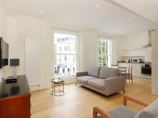 Heart of Chelsea 2 Bedroom 2.5 Bath Free WiFi, Londres