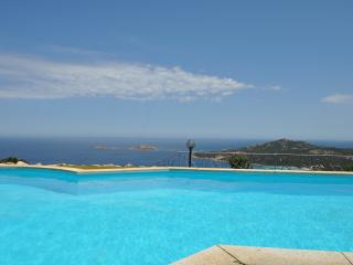 Villa with swimming pool Porto Cervo, Pevero bay
