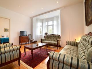 2 BEDROOM/110 m2 APT IN VERY CENTER