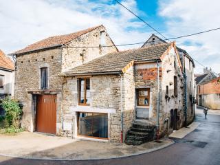 Luxury Cottage in the Burgundy Wine Region
