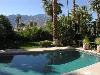 Save $300 this wknd!  PRIVATE POOL 12ppl 5 bdrm 5 ba HOT TUB! DOWNTWN, Palm Springs