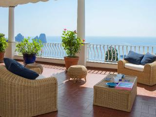 CAPRI - TERRACE APARTMENT