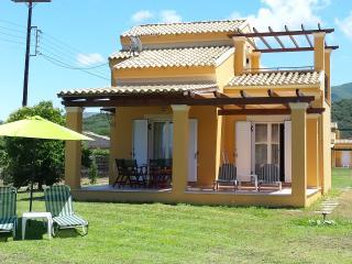 Villa Filia, Acharavi
