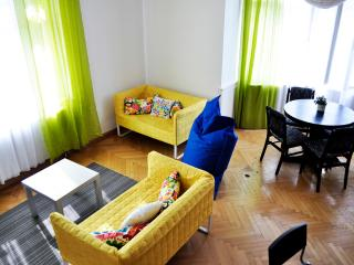Spacious and modern 3-bedroom apt!, Prague