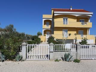 Zrno Debeljak Apartment 1, Zadar