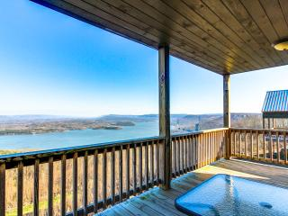 awesome view, chattanooga 25 miles, gated, hot tub