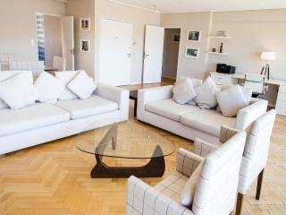 Elegant 2 Bedroom Apartment in Recoleta, Buenos Aires