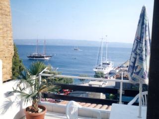 Apt Ivanisevic 3 balcony sea view, Omis