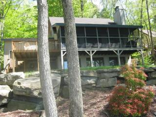 POCONO RENTAL - 2030, Lake Ariel