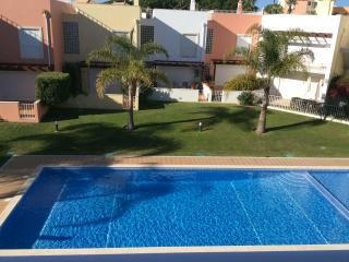 Old Village Prestige, with roof terrace, Vilamoura