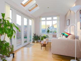 Lovely Modern two bedroom house, Littlemore
