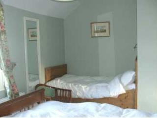 Bay Cottage Bed & Breakfast - The Green Room, Crumlin
