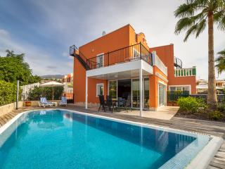 Cozy & Luxury Villa in Callao Salvaje