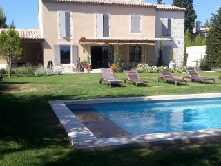 BEAUTIFUL HOUSE IN THE ALPILLES IN PROVENCE