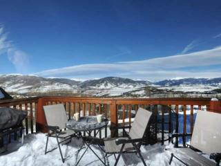 BREATHTAKING MOUNTAIN & LAKE DILLON VIEWS From This Beautiful Wildernest