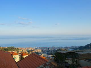 Casa indipendente vista mare con terrazza/giardino, Alassio