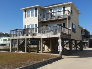 """The Southern Cross"".  Direct Beach View! Pool! Pier on Little Lagoon! Relaxing!, Gulf Shores"