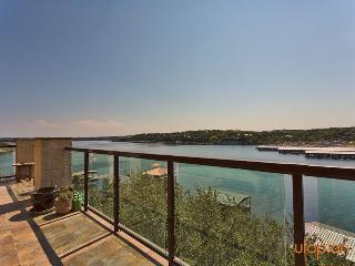 Lake Travis Waterfront Bungalow, Austin