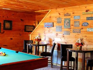 Smokys Lodge~5 min Off Light #3 in Pigeon Forge ~ Decorated for X-mas 11/10-1/12