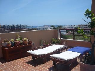 Bonito ático con terraza y bbq, Santa Eulalia del Río