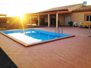 """Chalet con piscina """"Villa Oliva"""", Gran Tarajal"""