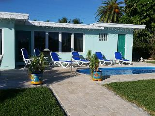 Benz's Bungalow, single family pool home, # 13, Key Colony Beach