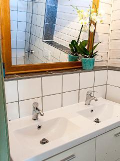 private bathroom for the room LA AZOTEA
