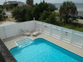 Ultimate Large Family Vacation - Heated Pool!, Pensacola Beach