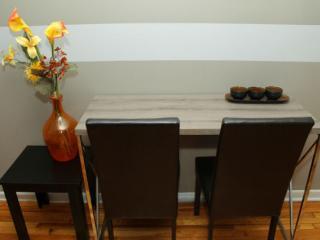Apart.Bachelor semi basement renovated / furnished, Montréal