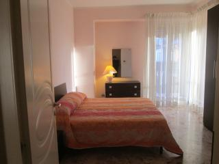 Cosy apartment advantageously located, Catania