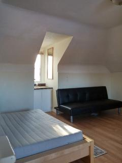 PORT CREDIT... PRIVATE LOFT in SHARED HOUSE, Mississauga