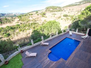 Enchanting Villa Sant Pol de Mar for 13 people, only 2 minutes to the beach!