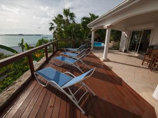 Affordable 6 bedroom colonial styled villa with great view, Marigot
