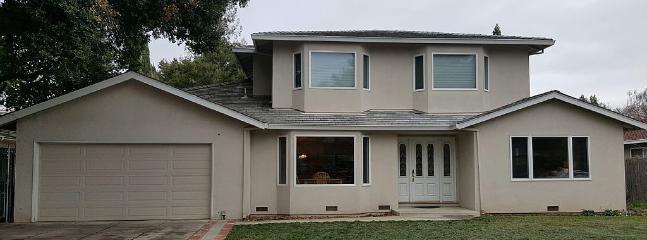 5 Bed House In Premium Neighborhood