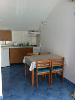 A(2+2): kitchen and dining room