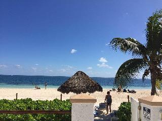 Beach front condo in Puerto Morelos, Cancún