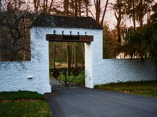 Private estate under an hour NYC  24 guests, Croton on Hudson