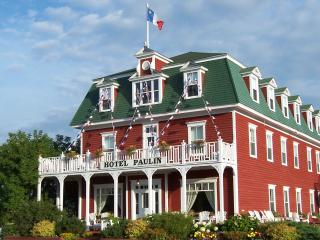 Hotel Paulin Seaside Extended Stay Vacations, Caraquet