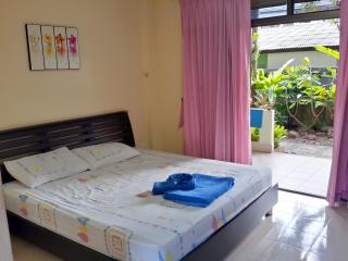 Lamai Beach Serviced Apartment with Kitchen 1fl